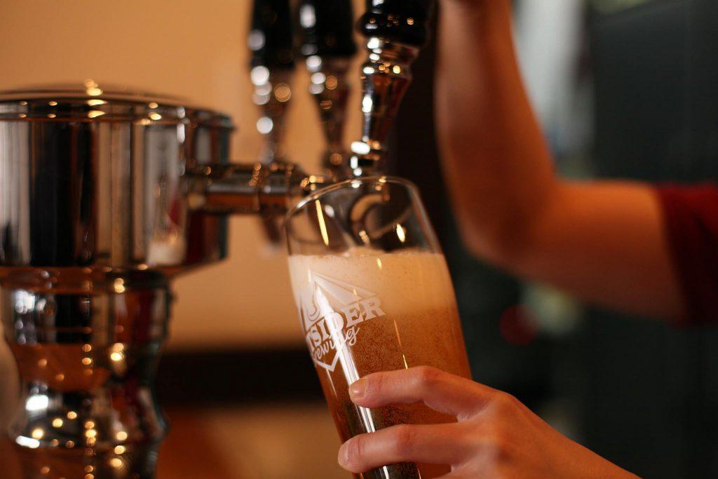 ホップス アンド ハーブズ Hops and Herbs 山梨 クラフトビール 地ビール パブ  craftbeer beer ビアバー