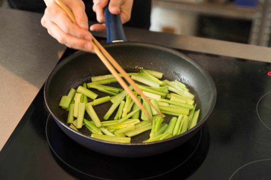 太郎メシ リストランテタロウ レシピ動画 味噌野菜炒め 井上味噌醤油店 池上農園 小松菜